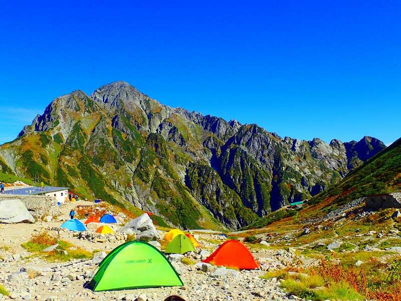 剱沢テント場から剱岳・八ツ峰